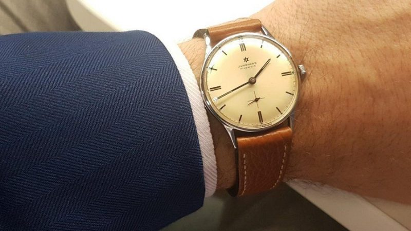 Identifying Second Hand Watches