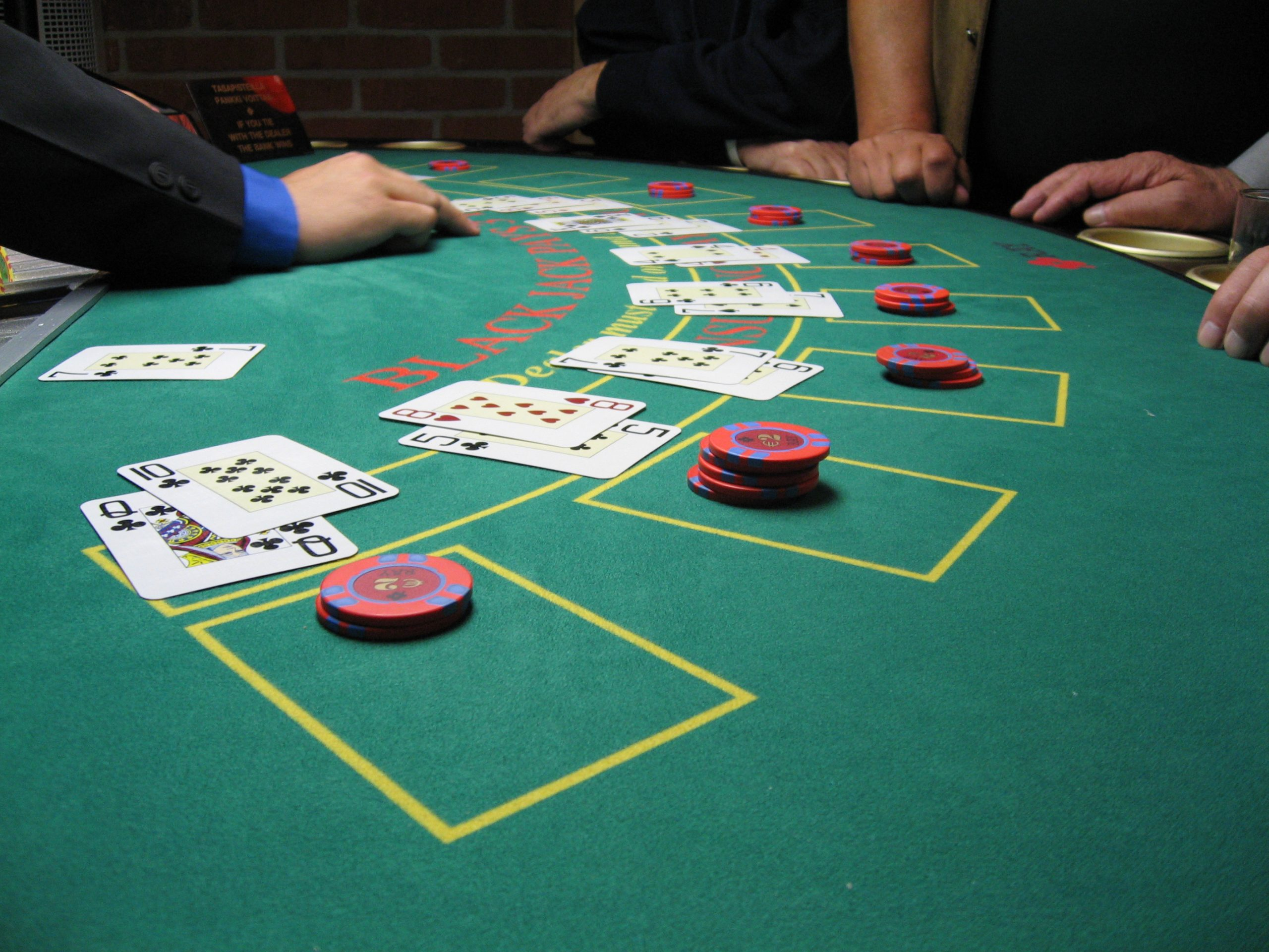 Are you a casino lover? Play it online and earn various kinds of bonuses