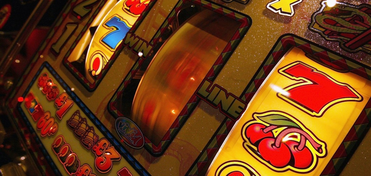 How will the availability of progressive jackpot lead to chasing of dreams?