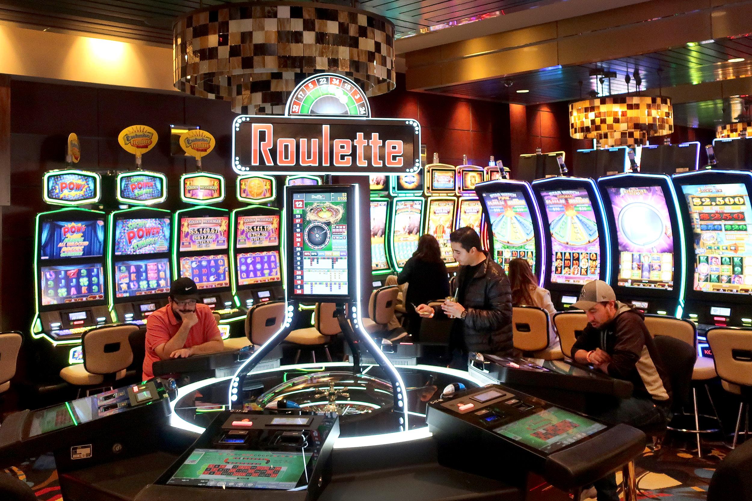 Checkout impressive details about online slot machines